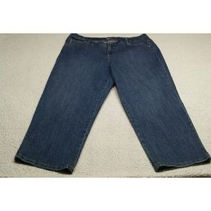 Style & co. DENIM Capri Pants  size 14 w